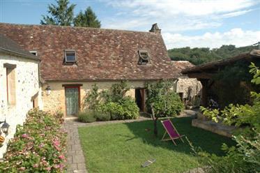 Maison de ferme et une grange délicieuses, entièrement resta...