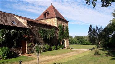 A vendre, en Dordogne, proche de Belvès, belle propriété sit...