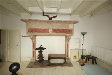 Een prachtig vrij gelegen, authentiek huis met mooie oude details