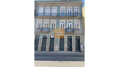 Loja na Baixa do Porto