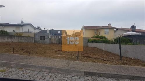 Terreno urbano em Alvarelhos/Trofa