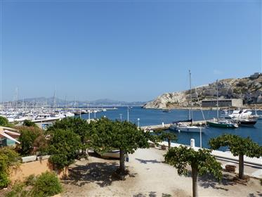 Apartment with terrace and panoramic sea view - Frioul Islan...