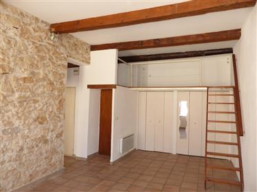 "Apartment in the heart of ""Saint-Victor"" (7th District)"