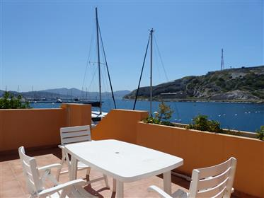 Two-Bedroom apartment with large sea view terrace - Frioul I...