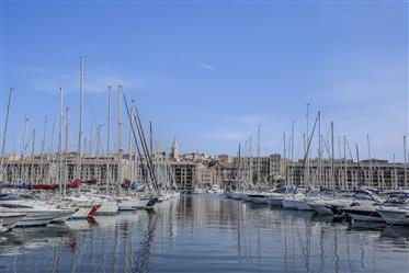 Last floor loft-Apartment in the heart of the Old Port – Marseilles