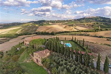 Vendesi casale da sogno in Val d' Orcia, Toscana.