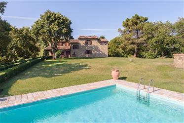 Charming stone house with swimming pool in Monterchi, Tuscan...