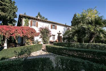 Vente ancienne villa près de Florence