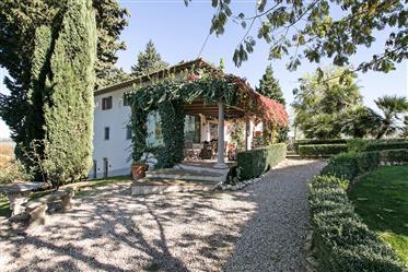 Antica villa in vendita vicino a Firenze