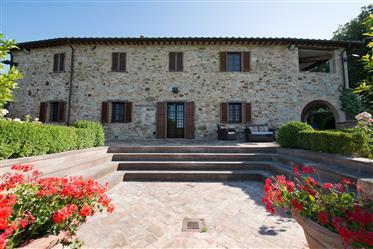 Casale con piscina in Umbria vicino Città della Pieve e Peru...