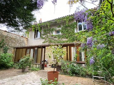 House in Ruffec with 3 Bedrooms, Garden and Barn/Garage