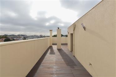 Apartamento T5 Duplex como Novo