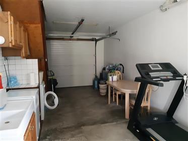 Jolie maison contemporaire avec garage et atlier