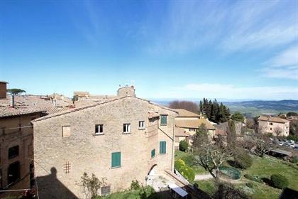 Appartamento di 85 m2 a Volterra