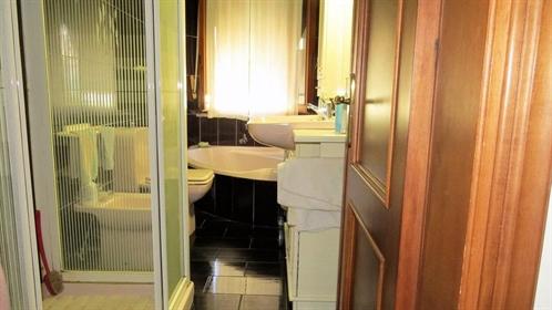 Appartamento di 90 m2 a Massa