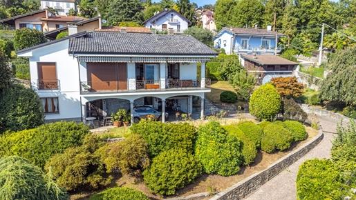 Villa con giardino in vendita a Verbania