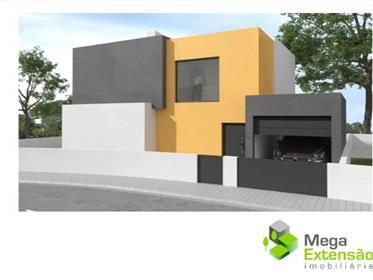Moradia em projecto, T3,  centro da vila de Cadaval, com garagem