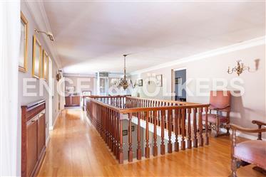 Amsterdam House • 7 pce(s) • 7 Slaapkamers • 6 Badkamers • 847 m² • Ref: I-00Un9o-W-02K5gx