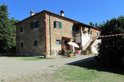 Rustico/Casale/Corte di 360 m2 a Lucignano