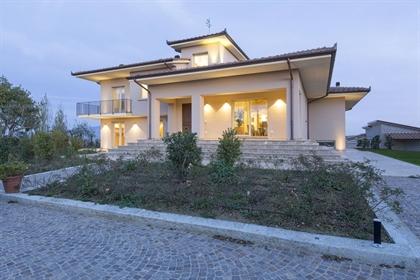 Villa o villino di 880 m2 a Foiano della Chiana