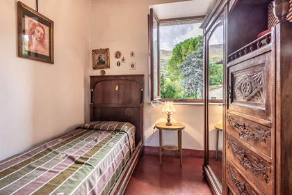 Country house Il Monte, Cetona, Siena – Tuscany Country house with land and panoramic view