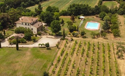 Villa o villino di 1085 m2 a Cortona