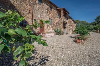 Rustico/Casale/Corte di 600 m2 a Tavarnelle Val di Pesa