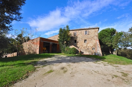 Stone farmhouse of the 19th century for sale in Sinalunga in the province of Siena, Tuscan