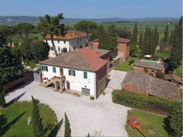 Historic Villa with Country House, Sinalunga, Siena – Tuscany Historic country villa for s
