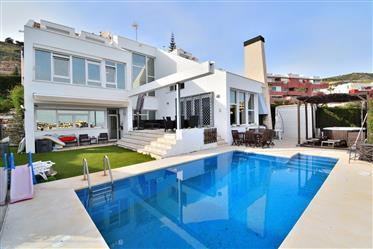 Increíble villa moderna