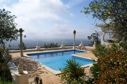 4 bedroom villa with a lot of charm in Goldra with a stunnin...