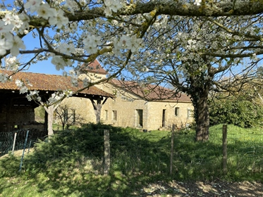 Country House with Pigeonnier and 3.5 hectares of land