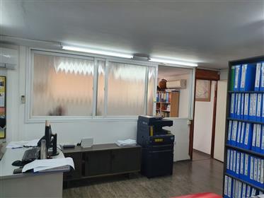 Παζάρι, γραφεία προς ενοικίαση, 35Τμ και 45Τμ, στο Ramat Gan