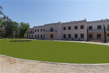 Exclusiva mansión de estilo tradicional recién construida en La Moraleja.