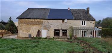 Vrijstaand huis met rondom tuin