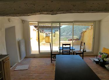 Maison de village avec terrasse à Castellet