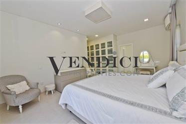Superb 4 Bed Villa For Sale