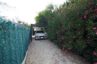 Villa de 4 dormitorios con casa de invitados en Javea