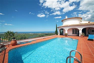 Villa de ensueño con magníficas vistas al mar en Monte Pego