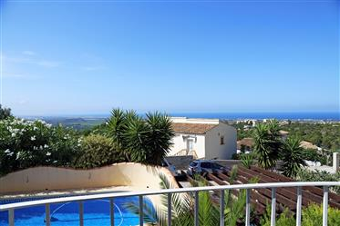 Charming villa with separate studio, private pool and sea view