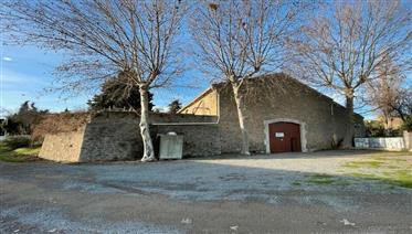 Winemaking stone Barn with constructable land in picturesque village close to the Canal du Midi