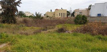 Building land in Chott Meriem