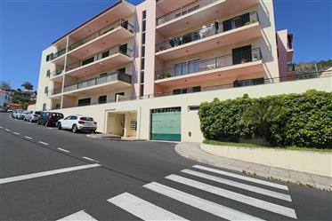Apartamento T2 Caniço Centro