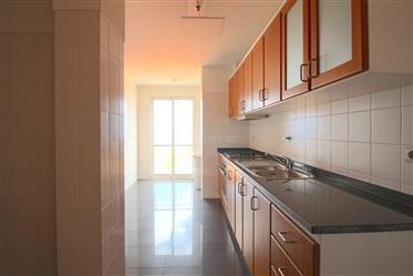 Apartamento T2 ─ Canhas