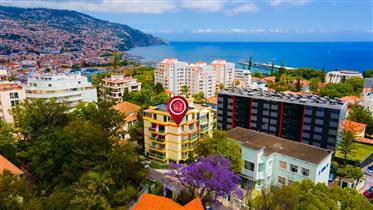 Apartamento T2 ─Como Novo─ nos Ilheus, Funchal
