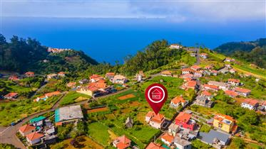 Moradia T4 em São Jorge (Madeira) + Anexo