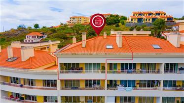 Apartamento T3 Duplex com Excelentes Áreas no Caniço, Azenha.