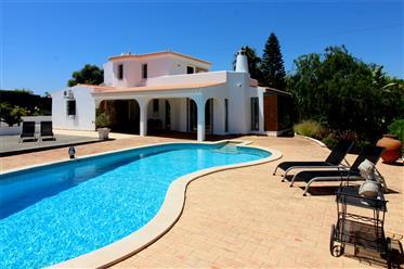 Elegante villa rural portuguesa com chalet de luxo perto de ...