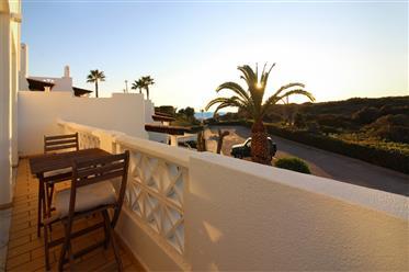 Linda casa de esquina com vista para o mar na Praia dos Cane...
