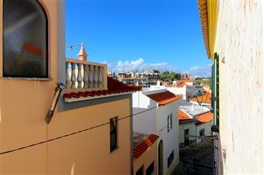 Maison loft à rénover dans le centre historique de Ferragudo